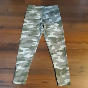 Aerie Chill Play Move Camouflage Leggings